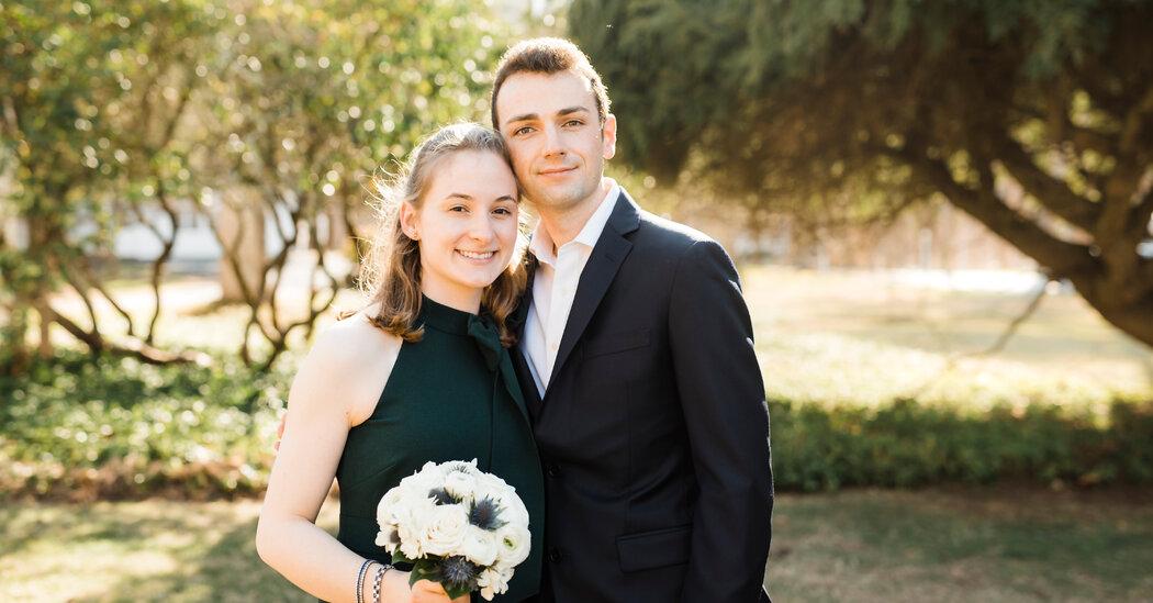 Weddings: She Met a Pilot on a Plane