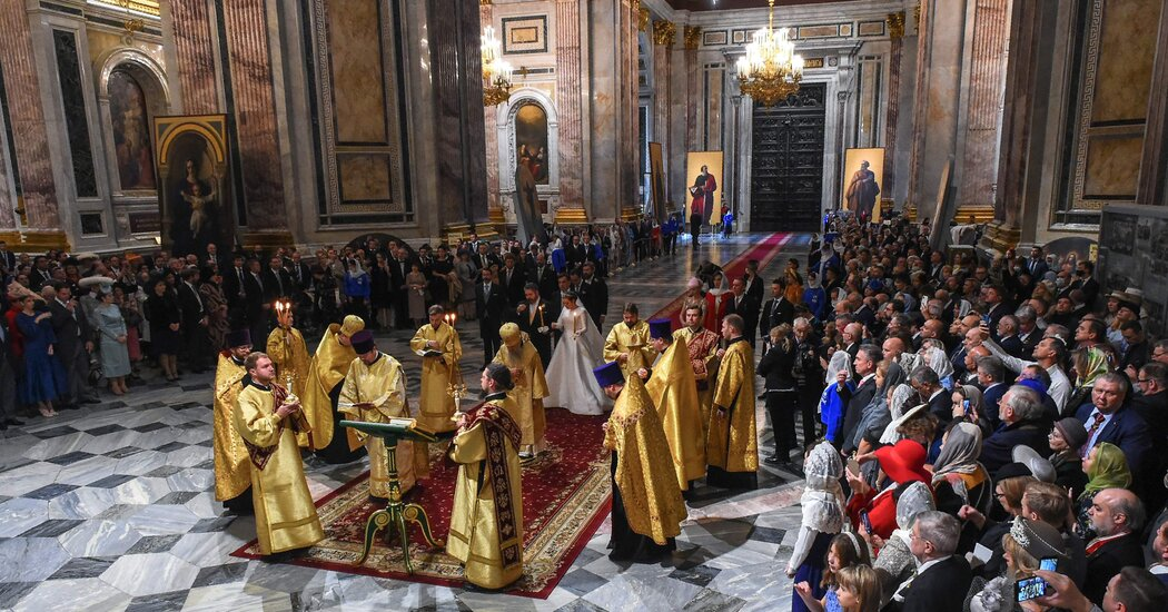 After 100 Years, a Royal Wedding in Russia Evokes Days of the Czars